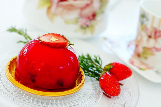 SONY DSC-red